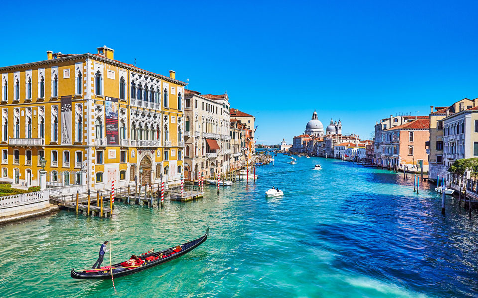 Venetian canals run clear for the first time in 60 years